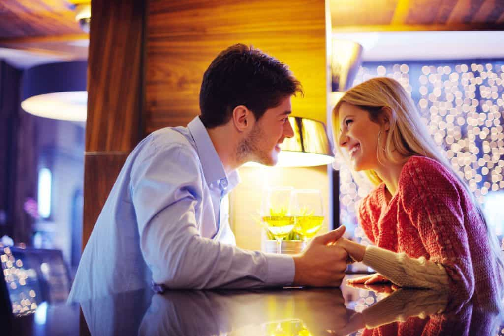 What Does A Woman Think About On The First Date?